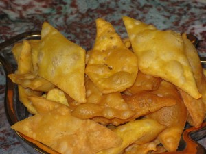 SPICED SHANKARPALAS (Spiced chips)